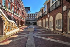 magnolia-hotel-omaha-courtyard_hpg_1