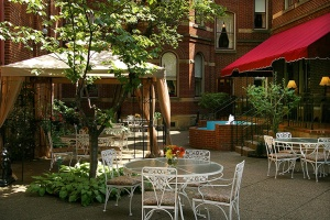 priory-hotel-courtyard_hpg_1