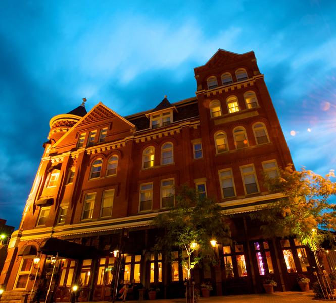The_Blennerhassett_exterior_night