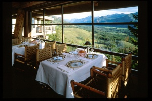 sun-mountain-lodge-dining-view_hpg_1