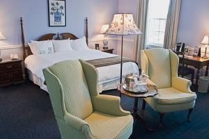 the-essex-resort-and-spa-room-2_hpg_1