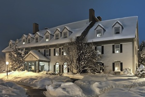 the-essex-resort-and-spa-snow_hpg_1