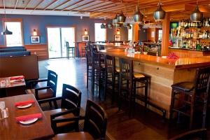 the-essex-resort-and-spa-tavern-1_hpg_1