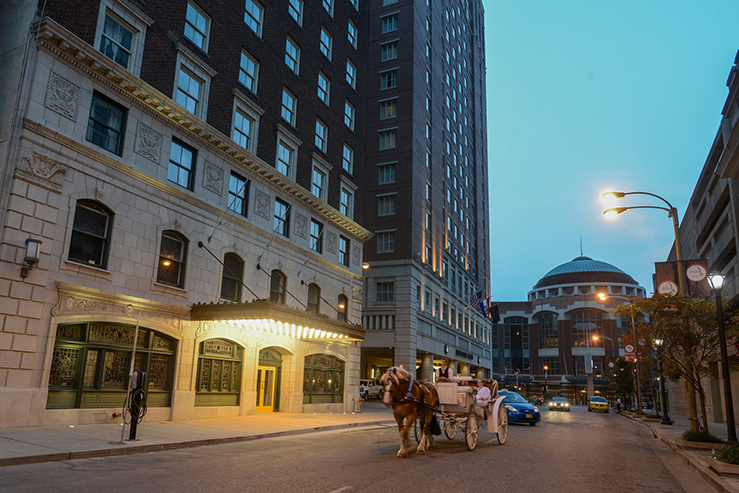 magnolia-hotel-st-louis-front_hpg_1