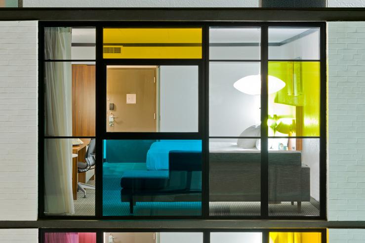 verb-hotel-poolview_hpg_1