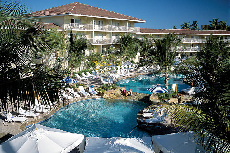 La-Playa-Pools_739x493