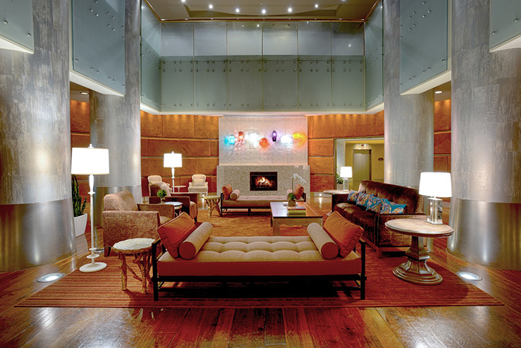 Magnolia-Hotel-Houston-lobby_739x493
