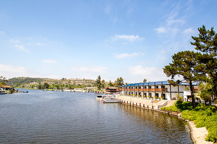 lakeshouse-hotel-and-resort-exterior-2_hpg_1