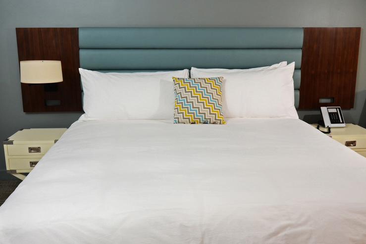 lakeshouse-hotel-and-resort-room-1_hpg_1