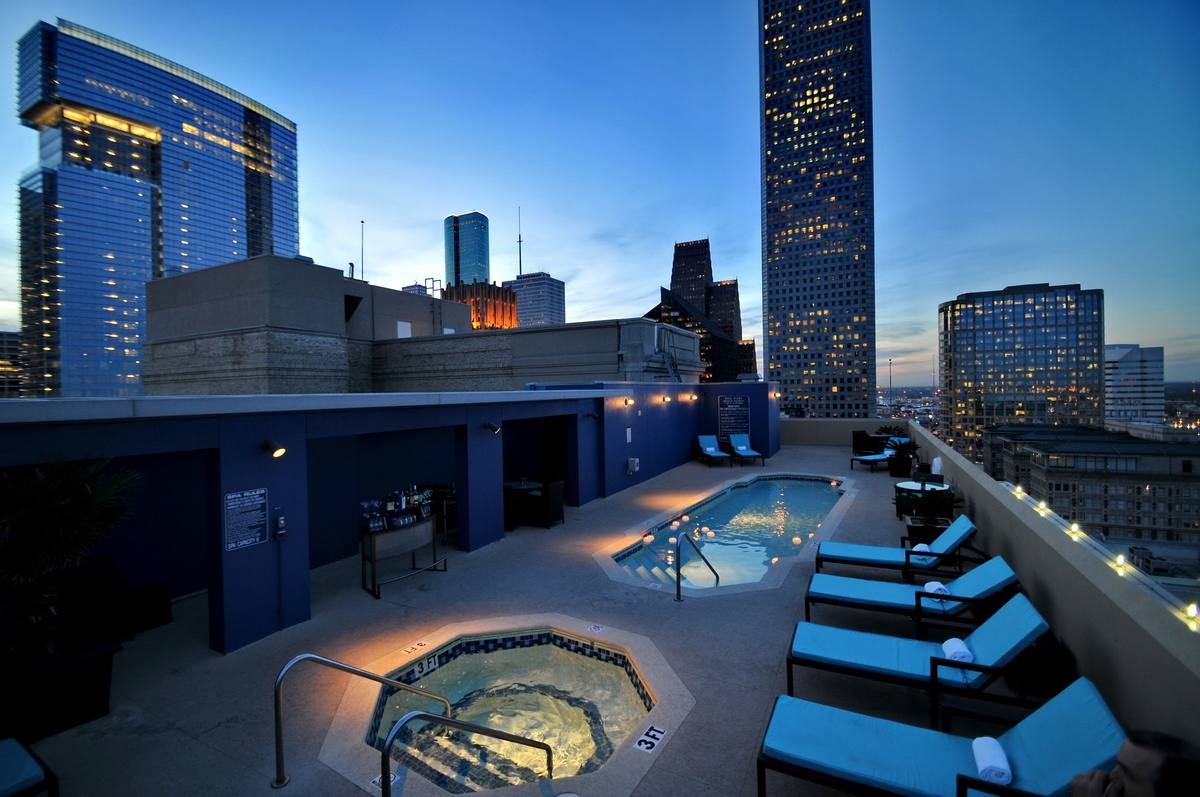 Magnolia Houston Rooftop Pool