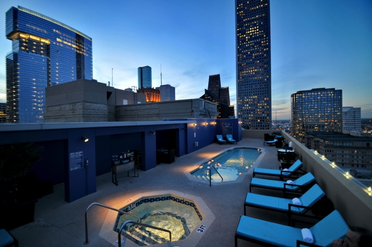 Magnolia Houston Rooftop Pool