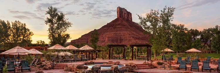 gateway-canyons-resort-pool-area_hero