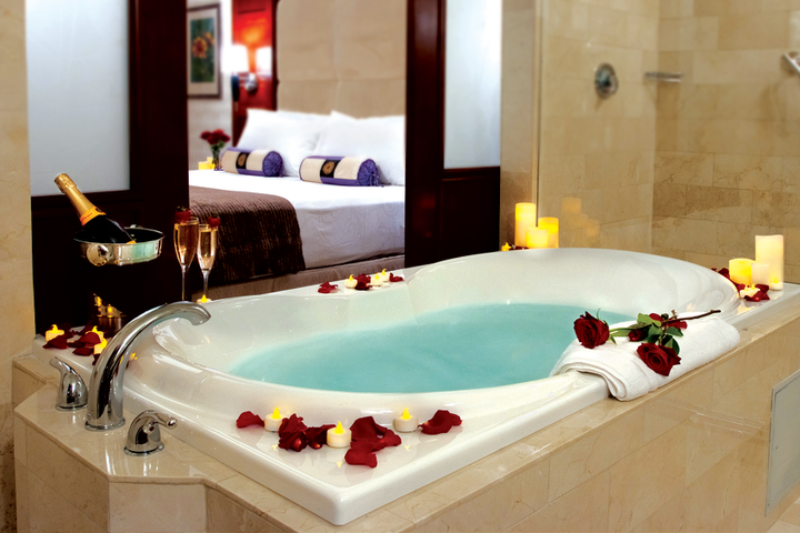 5 tips for a romantic hotel room makeover the stash blog - Romantic decorations for hotel rooms ...