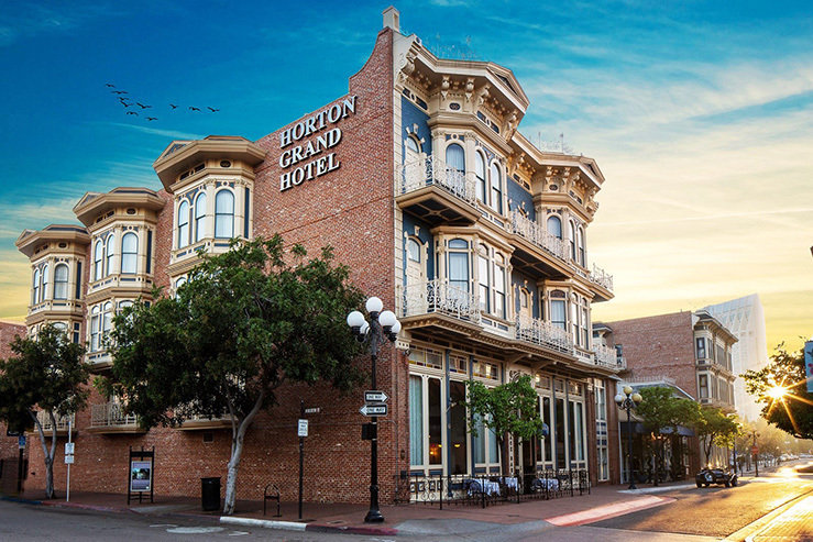 horton-grand-hotel-exterior-front_hpg_1