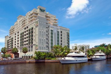 riverside-hotel-exterior_hpg