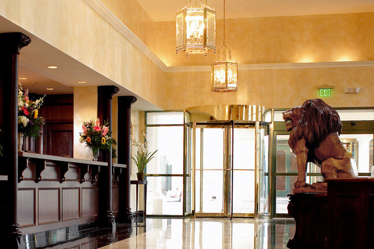 genesee-grande-hotel-lobbyfront_hpg