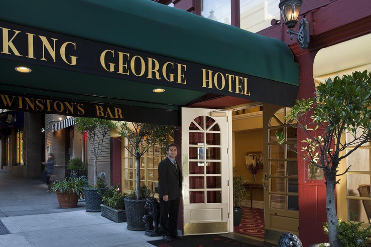 king-george-hotel-front-door-opening-1_hpg
