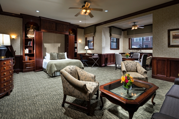 Broughton_Chicago_Majestic_Executive_Suite.jpg