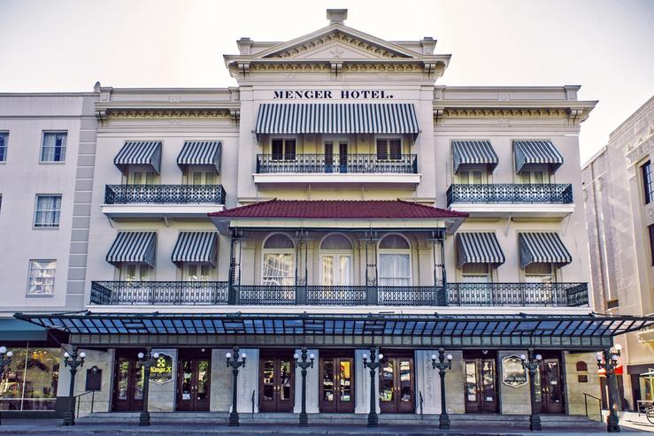 menger-hotel-daytimeexterior-17_hpg