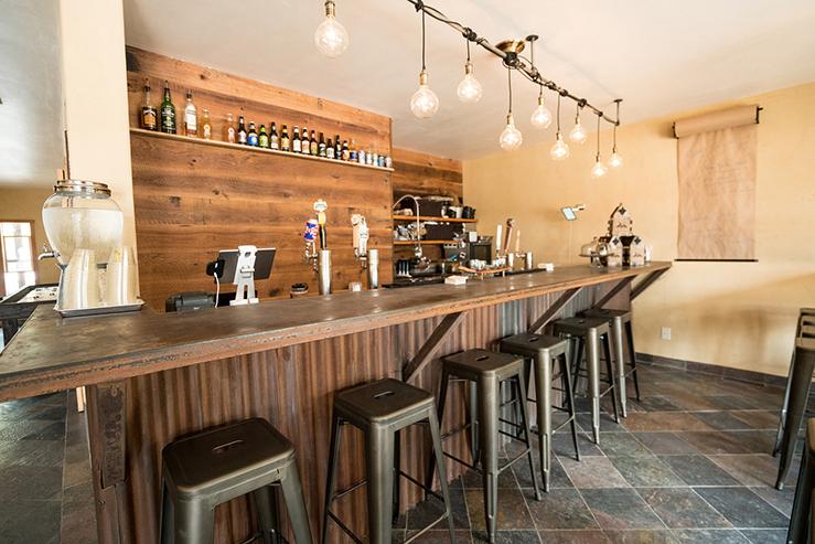chalet-view-lodge-breweryloungebar-17_hpg_1