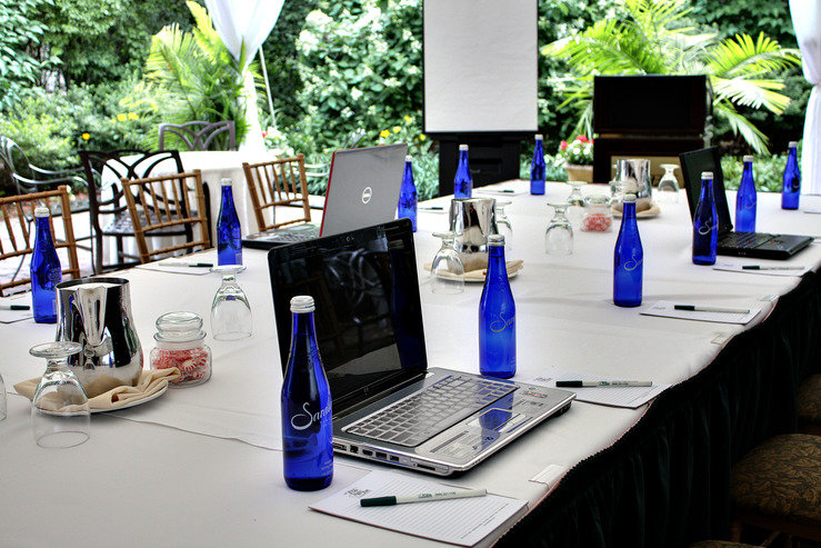 the-olde-mill-inn-business-meeting-setup_hpg