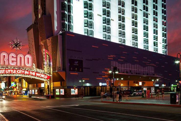 whitney-peak-hotel-exterior-2_hpg