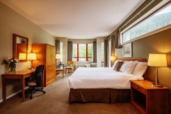 harrison-beach-hotel-king-room3_hpg