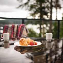sooke-harbour-resort-and-marina-penthouse-balcony_hpg