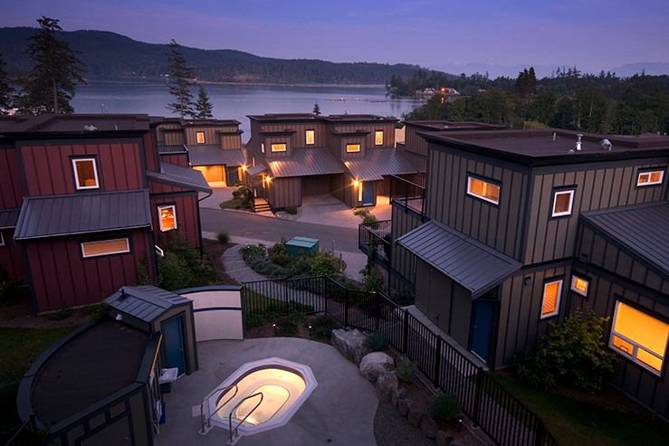 sooke-harbour-resort-and-marina-exteriior-night_hpg (1)