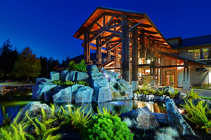 sunrise-ridge-waterfront-resort-exterior-night_hpg_1