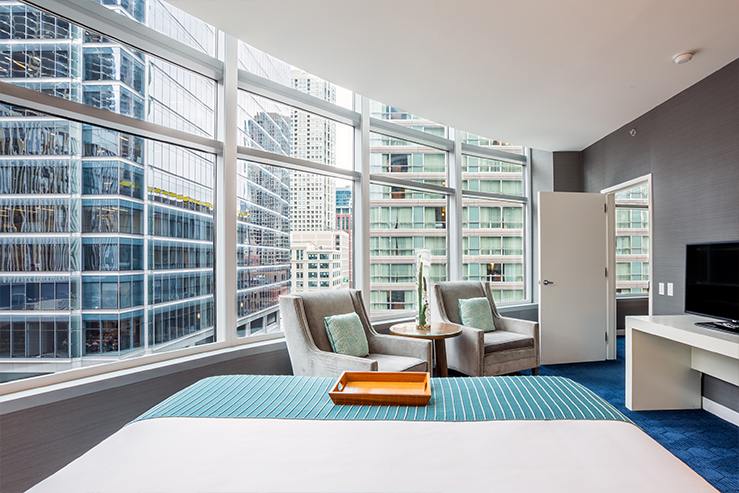 kinzie-hotel-king-suite-view_hpg