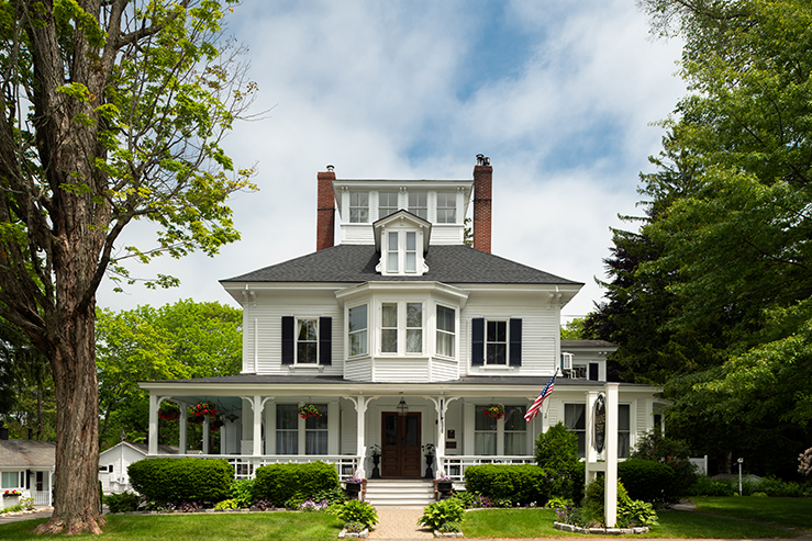 maine-stay-inn-and-cottages-exterior1_hpg