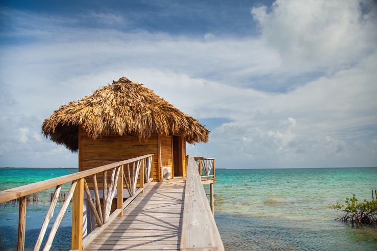 thatch-caye-resort-bungalow10_hpg